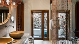 ZURI Suite Bathroom by Adam Letch v2